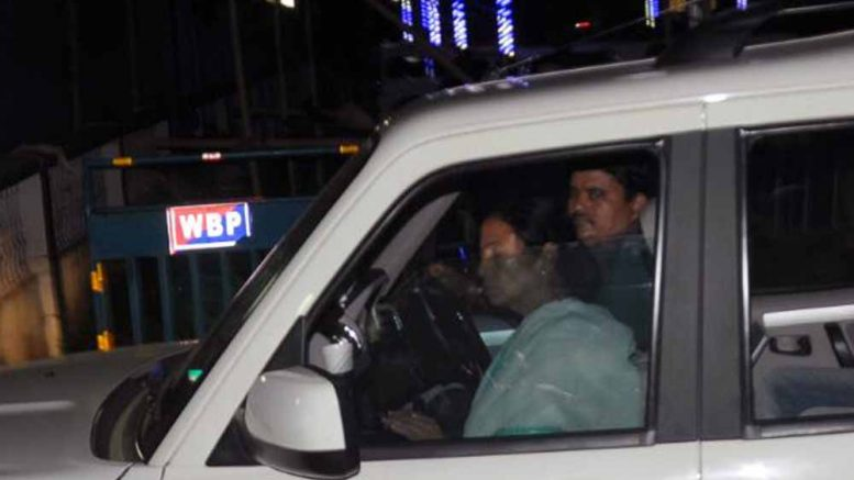 Mamata arriving at Circuit house in Krishnanagar