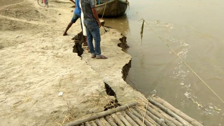 Chunk of embankment being lost in Hooghly river course