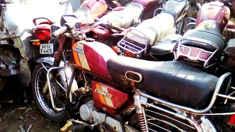 The Hero Honda Bike of Palash Saha dumped on the ground at Tehatta Police station