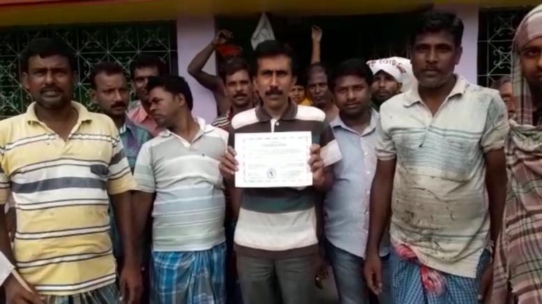 Niladri Sukul with winning certificate in Majhdia.