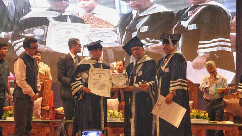 Former President Pranab Mukherjee receiving DLitt from Bengal Governor Kesharinath Tripathy in Kalyani.