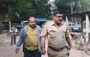 Accused overseas agent being taken to court in Ranaghat.