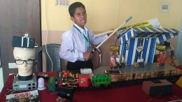 Avigyan Kishor Das demonstrates 'SAVE' at the JIS College of Engineering's Tech Show in Kalyani.