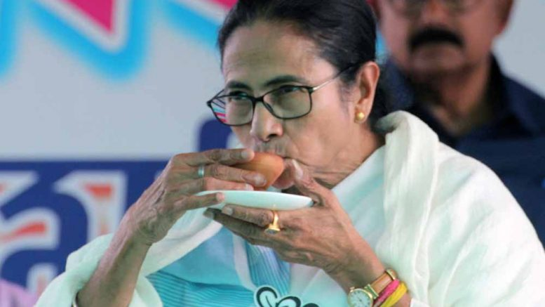 Mamata Banerjee takes tea in Habibpur (Ranaghat). Picture by Abhi Ghosh